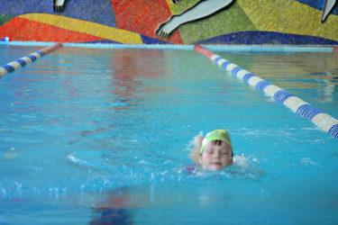 60分のレッスンで指導時間たったの3分?失敗しない子ども水泳教室選び!専門家に聞いてみた