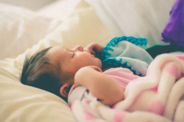 赤ちゃんが寝てくれない時の寝かしつけのコツ3選!